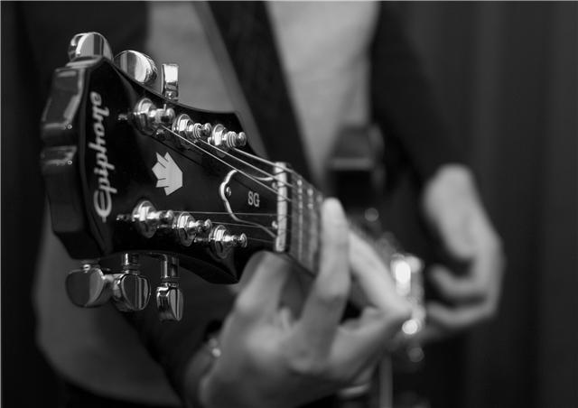 gitari-epiphone