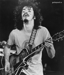 santana-carlos-with-gibson-les-paul