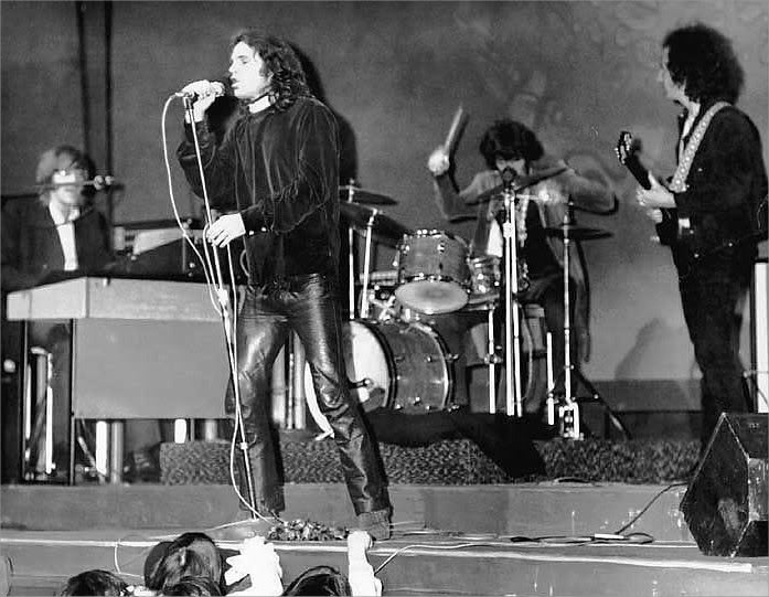 a history of the doors a music band Probably the greatest band ever in the history of music magical 返信 通知を希望する helpful dementedarego8 2016年3月9日 the doors this band helped shape my.