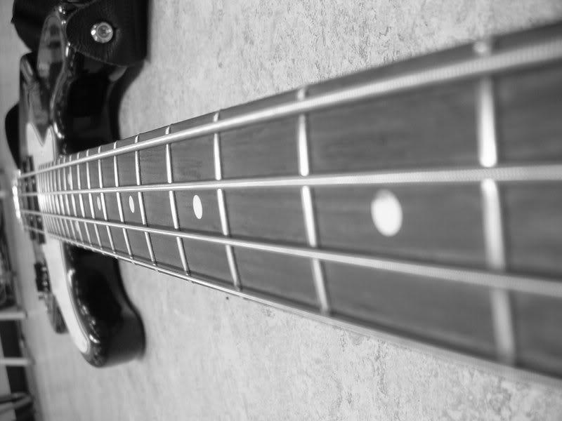 гриф бас гитары