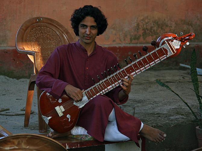 индийский инструмент ситар