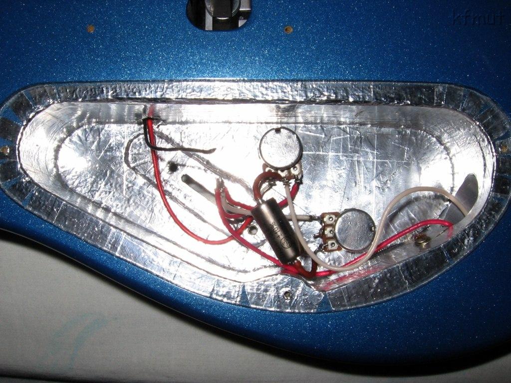 как экранировать гитару алюминиевым скотчем