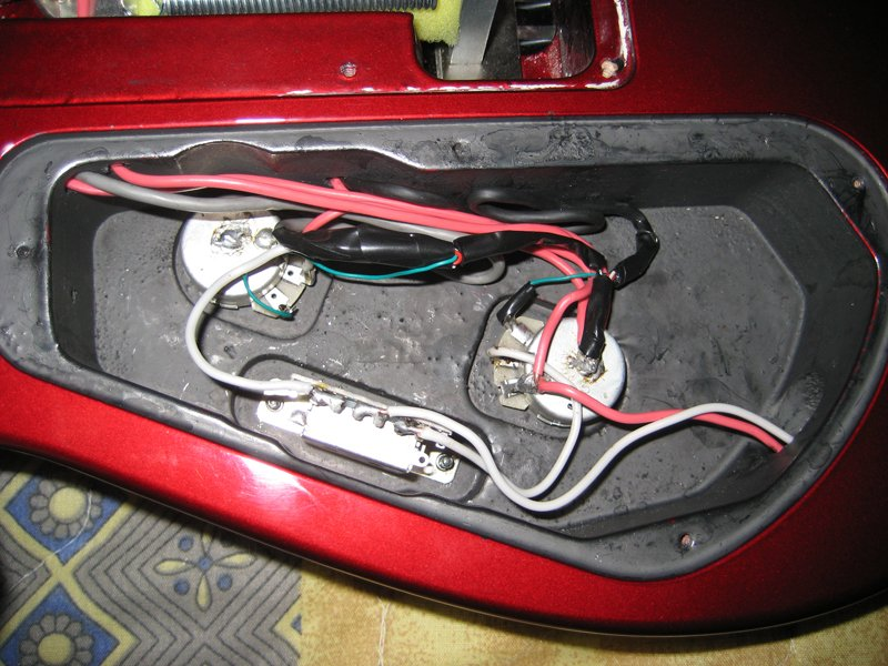 экранировка гитары графитом
