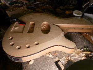 Дерево для бас-гитар