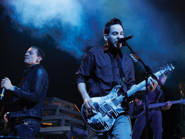 linkin-park-on-concert