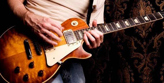Как играть переменным штрихом на гитаре